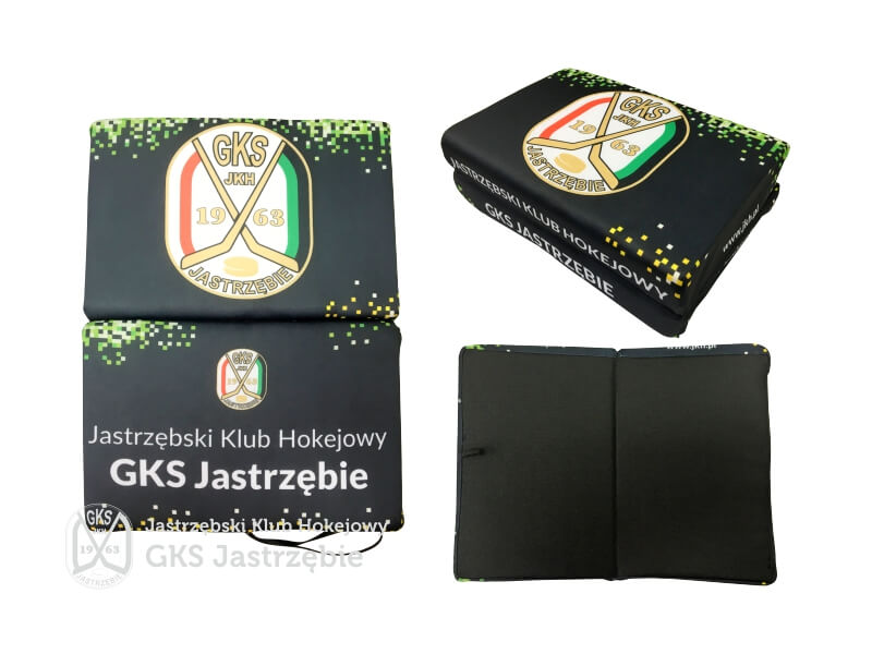 Poduszka stadionowa z logo JKH 1szt.